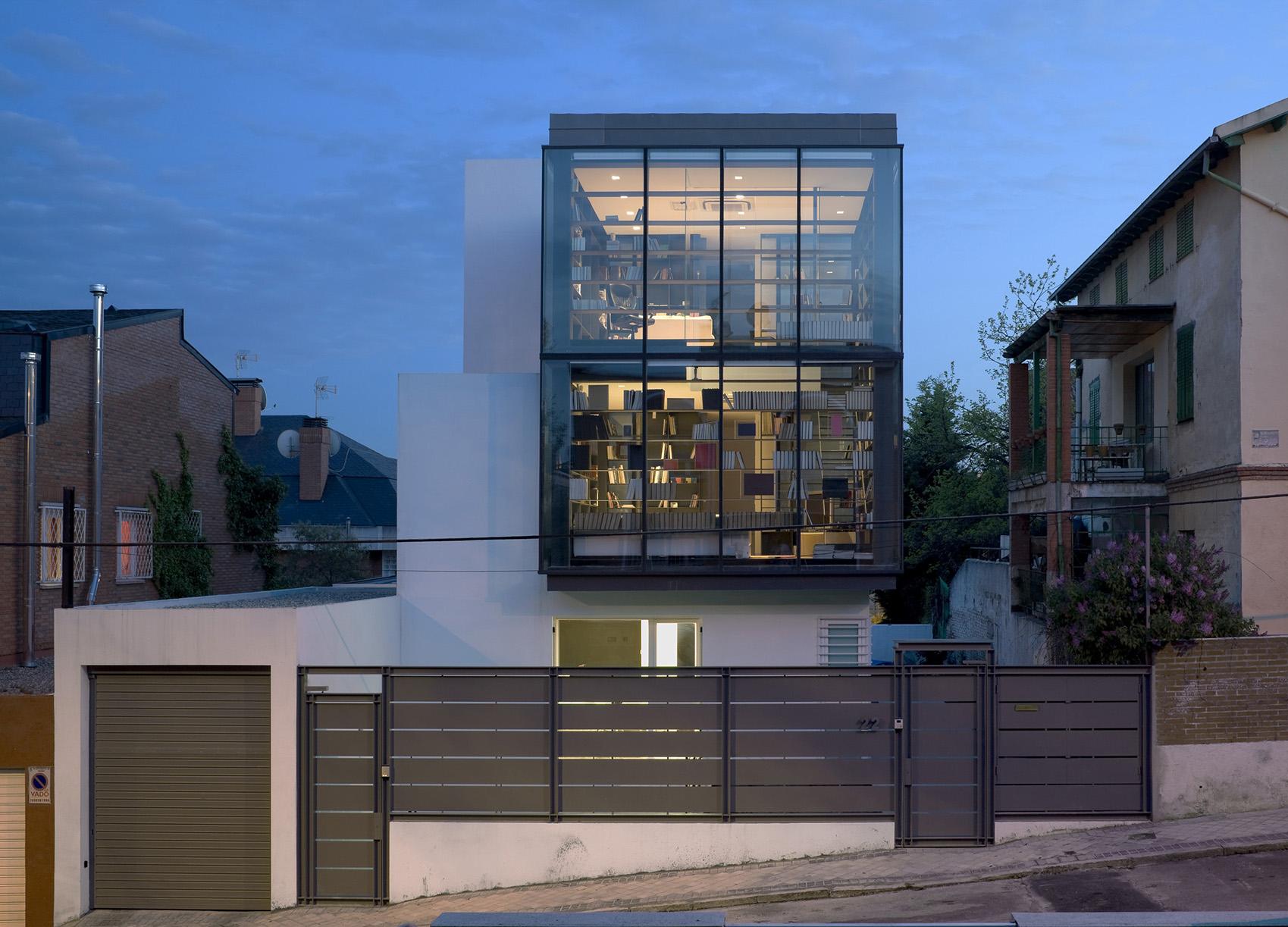 Casa en calle olimpo madrid allende arquitectos - Arquitectos en madrid ...