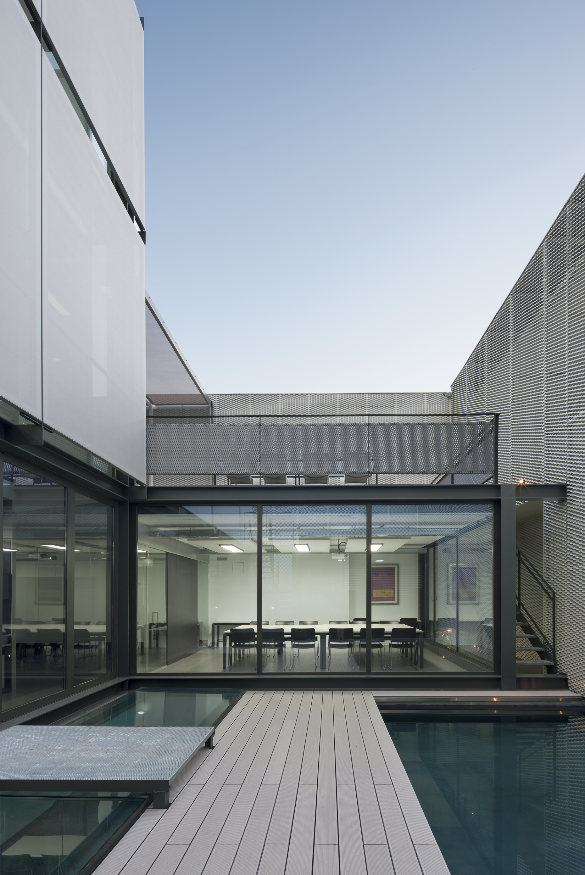 All87 sede de allende arquitectos en madrid allende arquitectos - Arquitectos interioristas madrid ...
