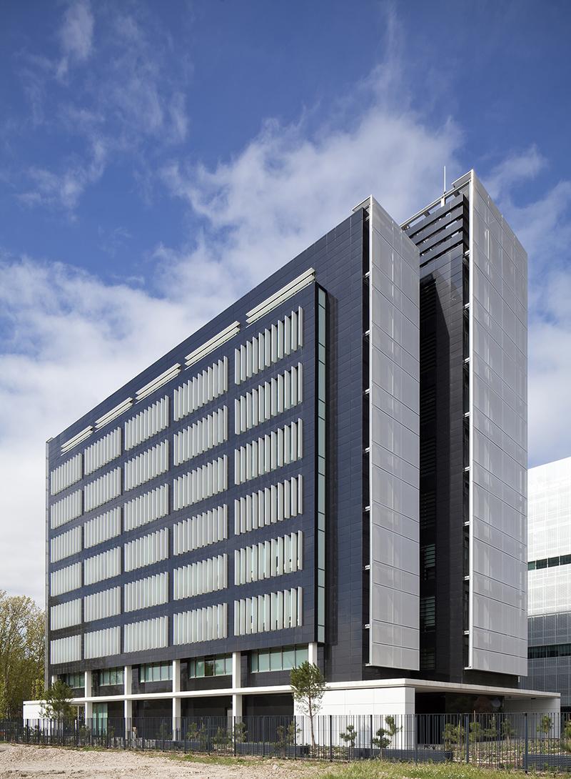 Edificio de oficinas en pegaso city madrid allende - Arquitectos en madrid ...